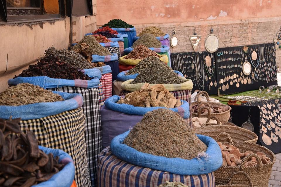 Paniers à épices à Marrakech