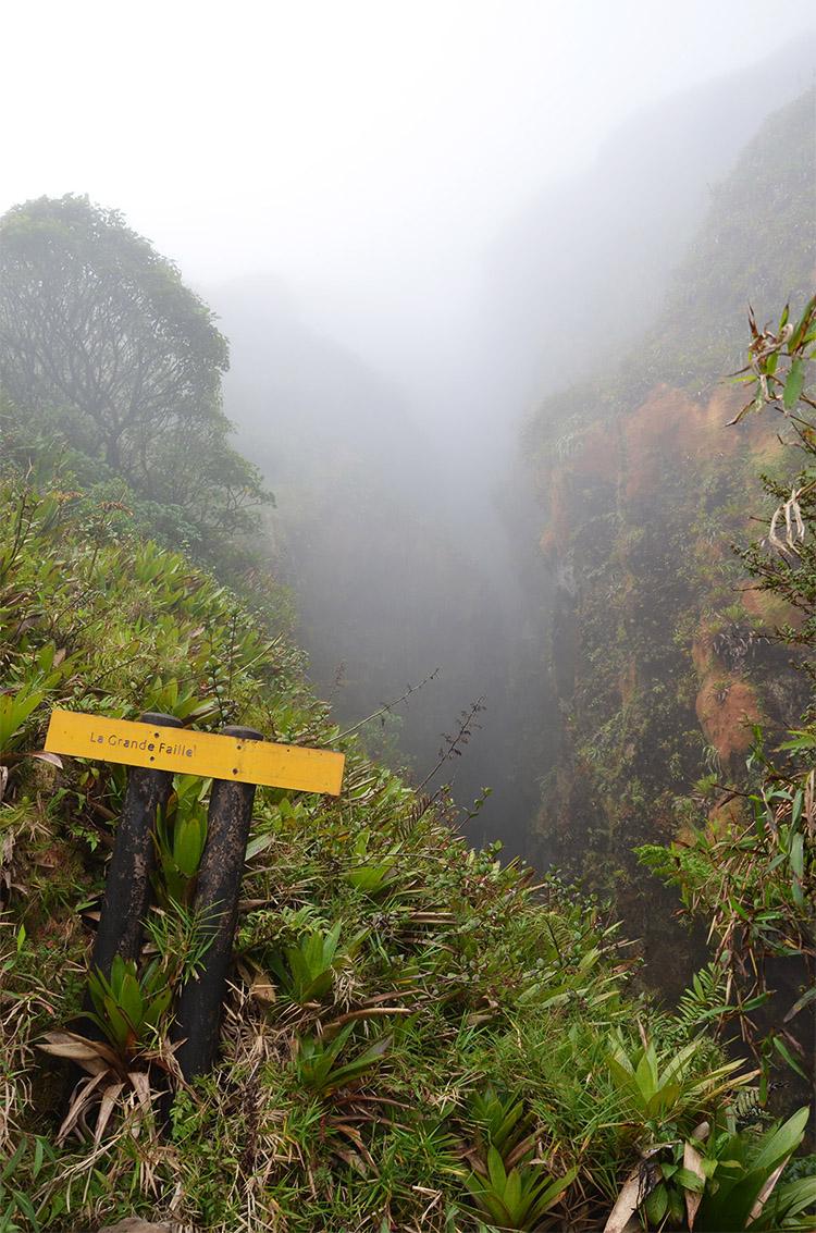 Vue sur la Grande Faille du volcan la Soufrière, Guadeloupe