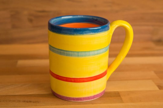 Horizontal Stripey parallel pint mug in Yellow