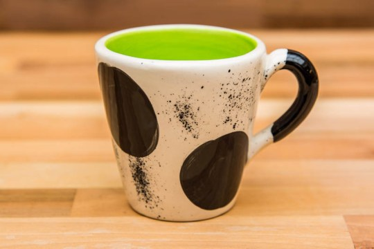 Black and White small tapered mug in Spot