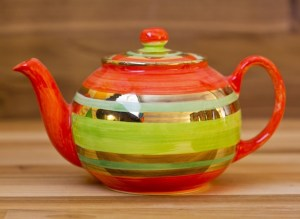 Lustre Horizontal medium teapot in no.02