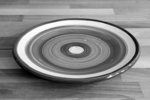 Black and White 8″ side plate in Broad Stripe