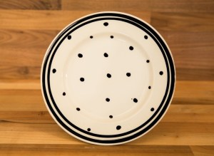 Black and White 11″ dinner plate in Polka Dot