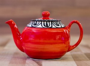Aztec small teapot in red