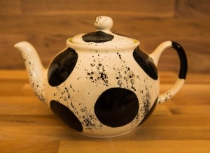 Black and White extra large teapot in Spot