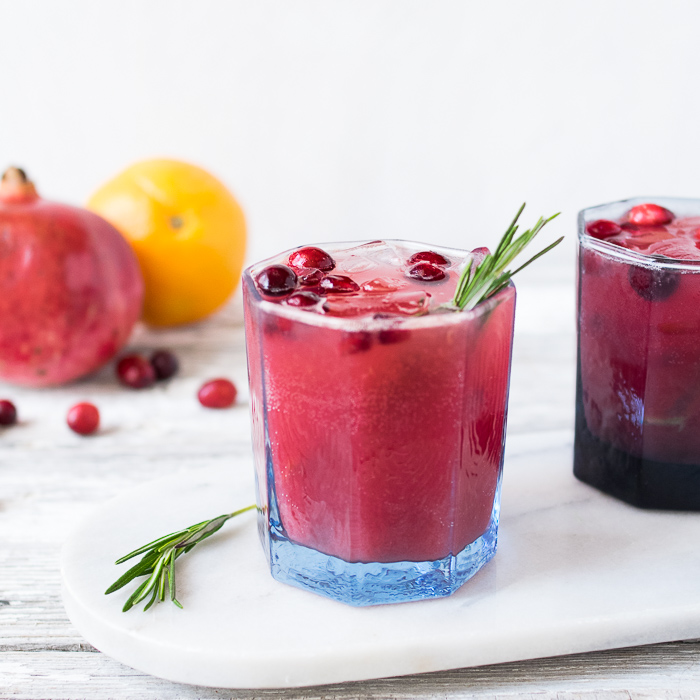 Cranberry Pomegranate Detox Fizz