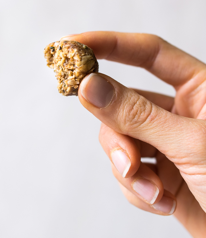 Maca and Almond Butter Energy Bites