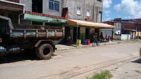 diversos-121-1024x575 VIDEO: Ladrão é filmado roubando óleo diesel em veiculo no Vilela