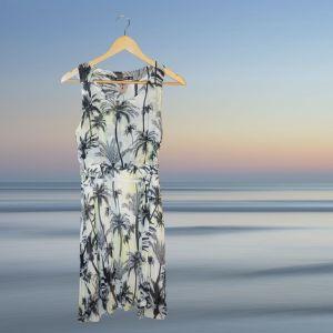 Vestido com padrão palmeiras | reCloset roupa em segunda mão