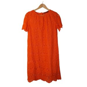 Vestido laranja em renda - reCloset roupa em segunda mão