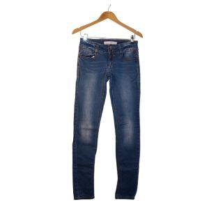 Calças de ganga com cós largo e duplo botão - reCloset roupa em segunda mão
