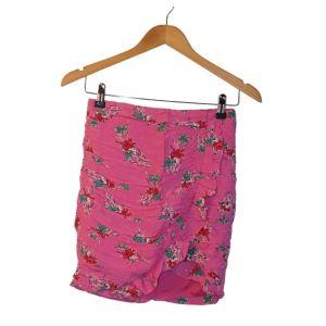 Minissaia rosa com flores - reCloset roupa em segunda mão