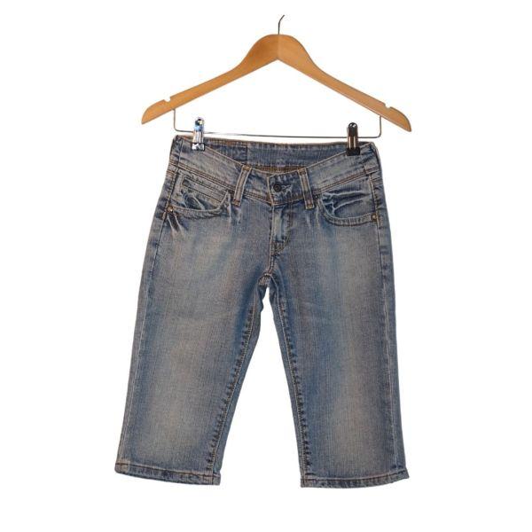 Calções compridos de ganga azul clara - reCloset roupa em segunda mão
