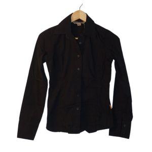 Camisa preta básica - reCloset roupa em segunda mão