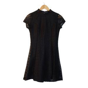 Vestido preto em renda - reCloset roupa em segunda mão