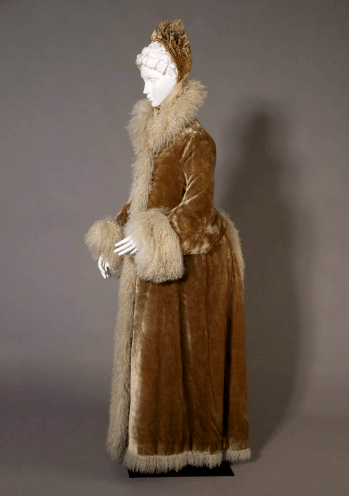 Dressing For Winter During The Victorian Era Recollections Blog
