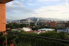 Venezuela im Hintergrund.