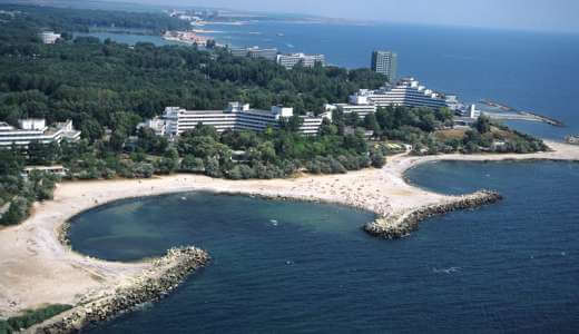 Hotelurile si plaja vazute de sus