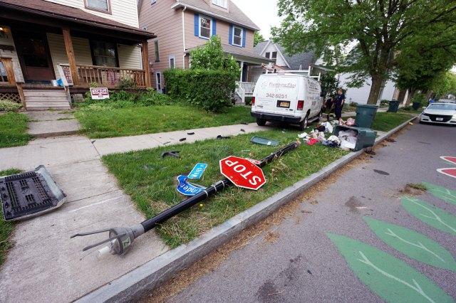 Car crash in Highland Park Neighborhood