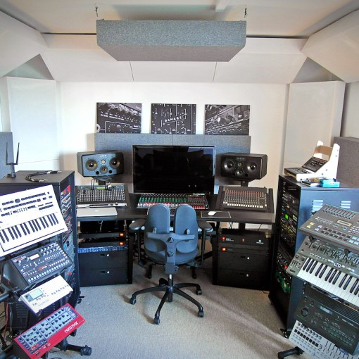 Fixing The Low End In Your Studio Without Knowing Acoustics