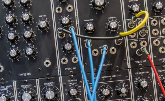 Simple FM Synthesis Sine Waves and Processors
