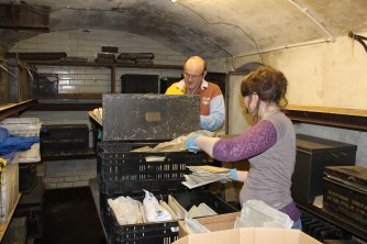 D7935 archivists in action 01