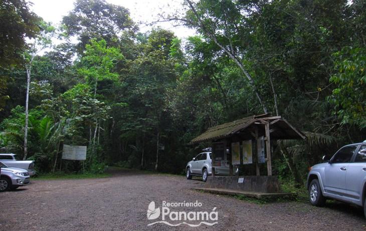 Entrance to Plantación Trail