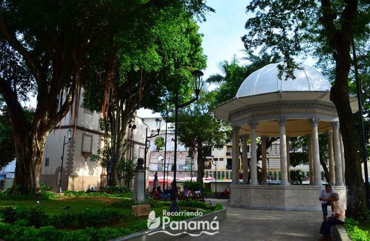 Plaza Santa Ana.