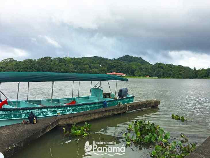 boat at Gamboa dock