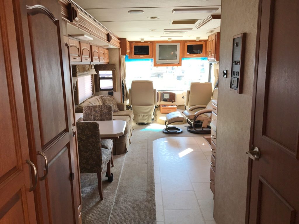 Inside view of the 2007 Holiday Rambler Admiral.