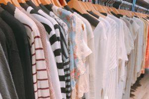 有名ブランド服あり!かわいいお洋服でライブチャットへIN☆