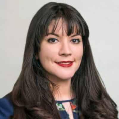 Vanessa Decollibus