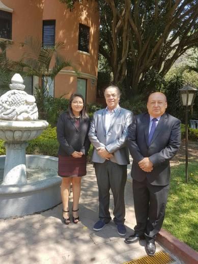 Mtra. Jasmín Vásquez, Rector Francisco Javier Espinosa y Mtro. Felipe Henríquez