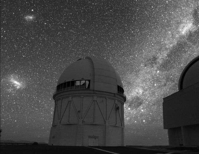 Cielo estrellado del hemisferio sur en el Cerro Tololo, Chile. Tomada de www.astrored.org