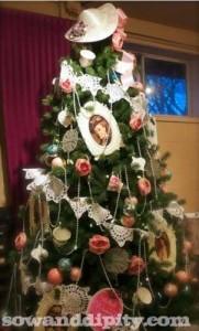 Downton-Abbey-Christmas-tree