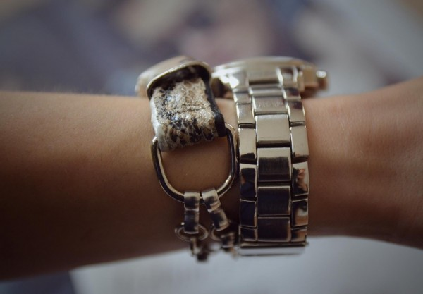 DIY-bracelet_-bracelet-out-of-shoes_-recycling_-recycling-fashion_-1024x712