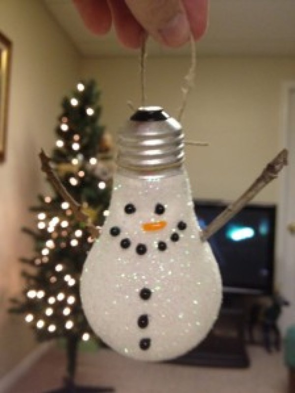 lightbulbsnowman
