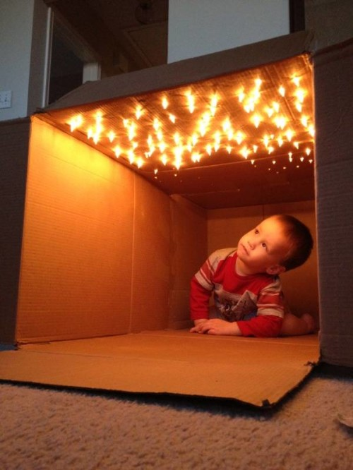 Best-kid-fort-ideas-light box