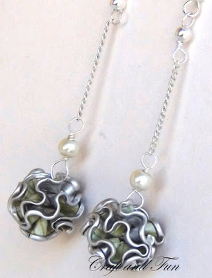 k cup scalloped edge earrings
