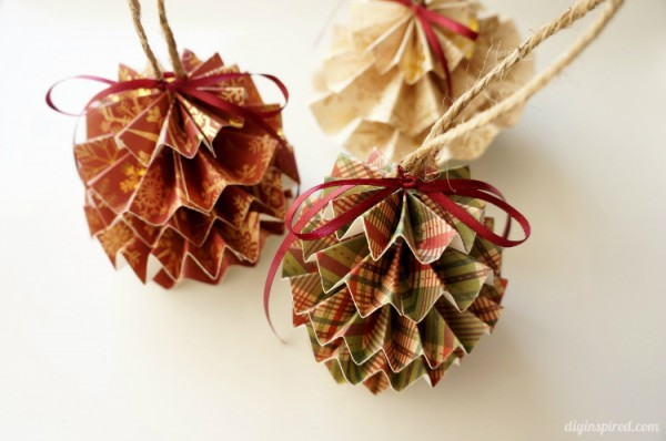 DIY-Paper-Christmas-Ornaments