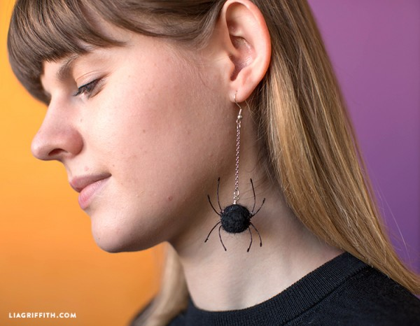 How to make felted spider earrings