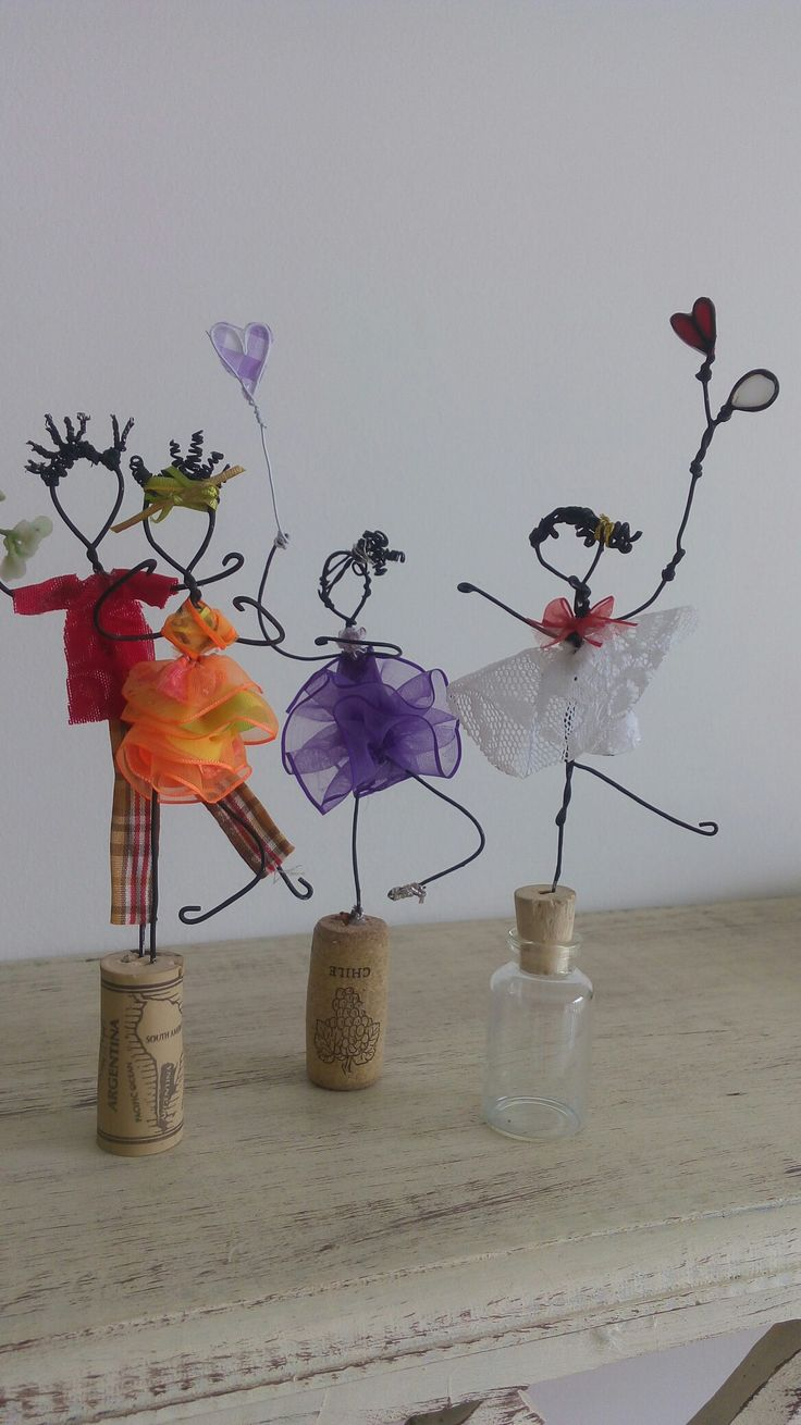 Fun idea for wire ribbon and recycled cork people for