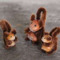 How to make acorn squirrels