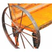 Moving wagon wheel