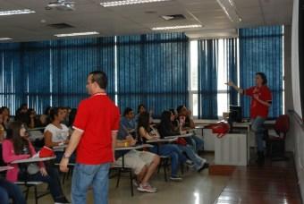 Prof José Trigo durante a palestra