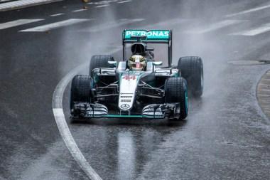 Hamilton nas pistas