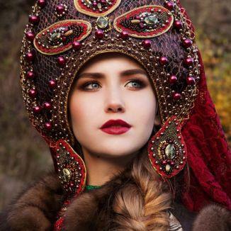 Kokoshnik (chapéu feminino tradicional russo)