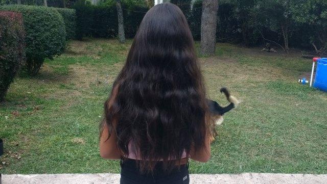 María en su casa de Glew, unos días antes de cortar su pelo.
