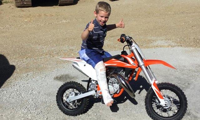 Troy, el hijo de Eddie, tiene 7 años y fue quien encontró la chapa identificatoria.