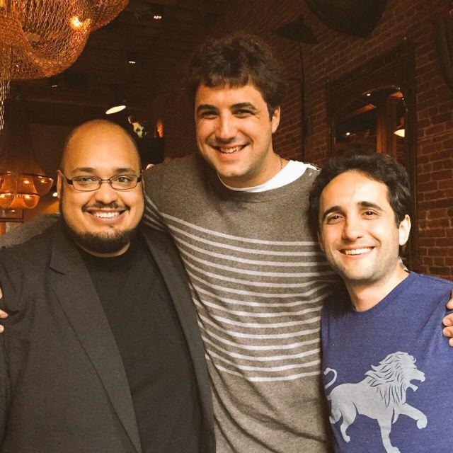 Pierucci (centro) y Saez-Gil (derecha), junto a Michael Seibel, CEO de Y Combinator. Crédito: Tomás Pierucci